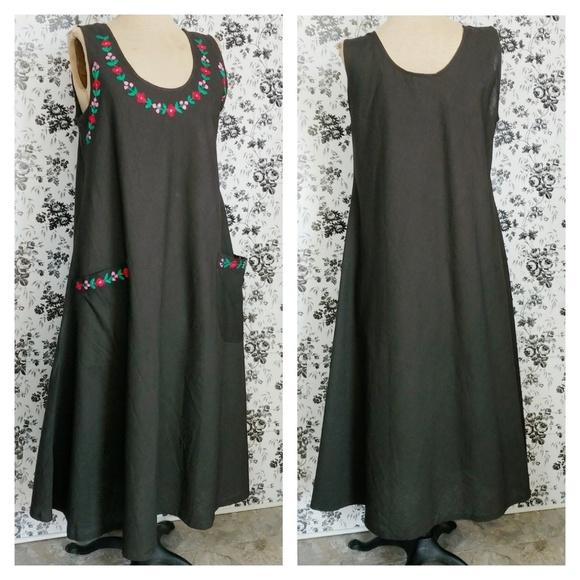 Dresses & Skirts - Boho cotton embroidered sleeveless dress pockets L